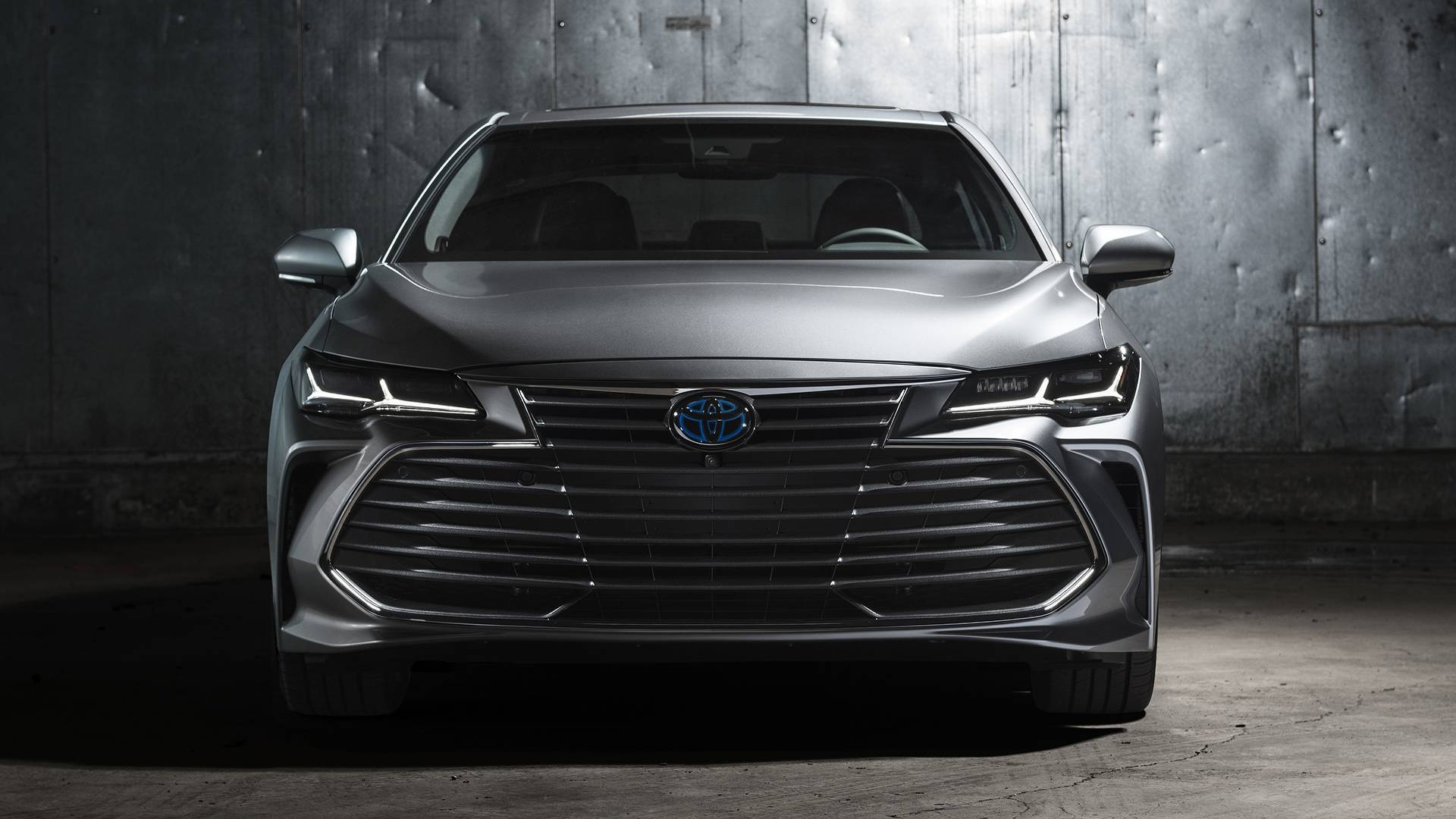 2019-toyota-avalon-limited-hybrid (1).jpg
