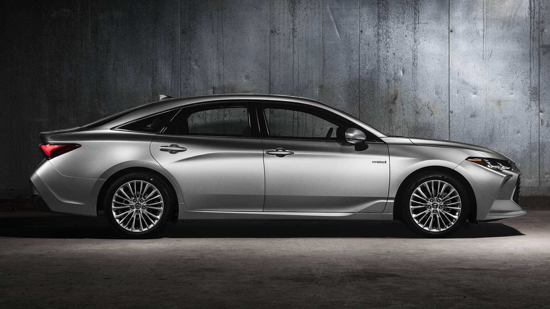 2019-toyota-avalon-limited-hybrid (2).jpg