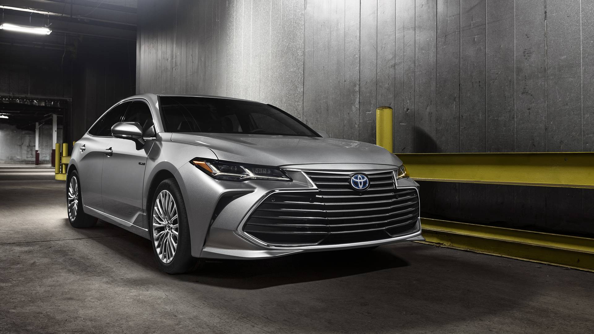 2019-toyota-avalon-limited-hybrid (3).jpg