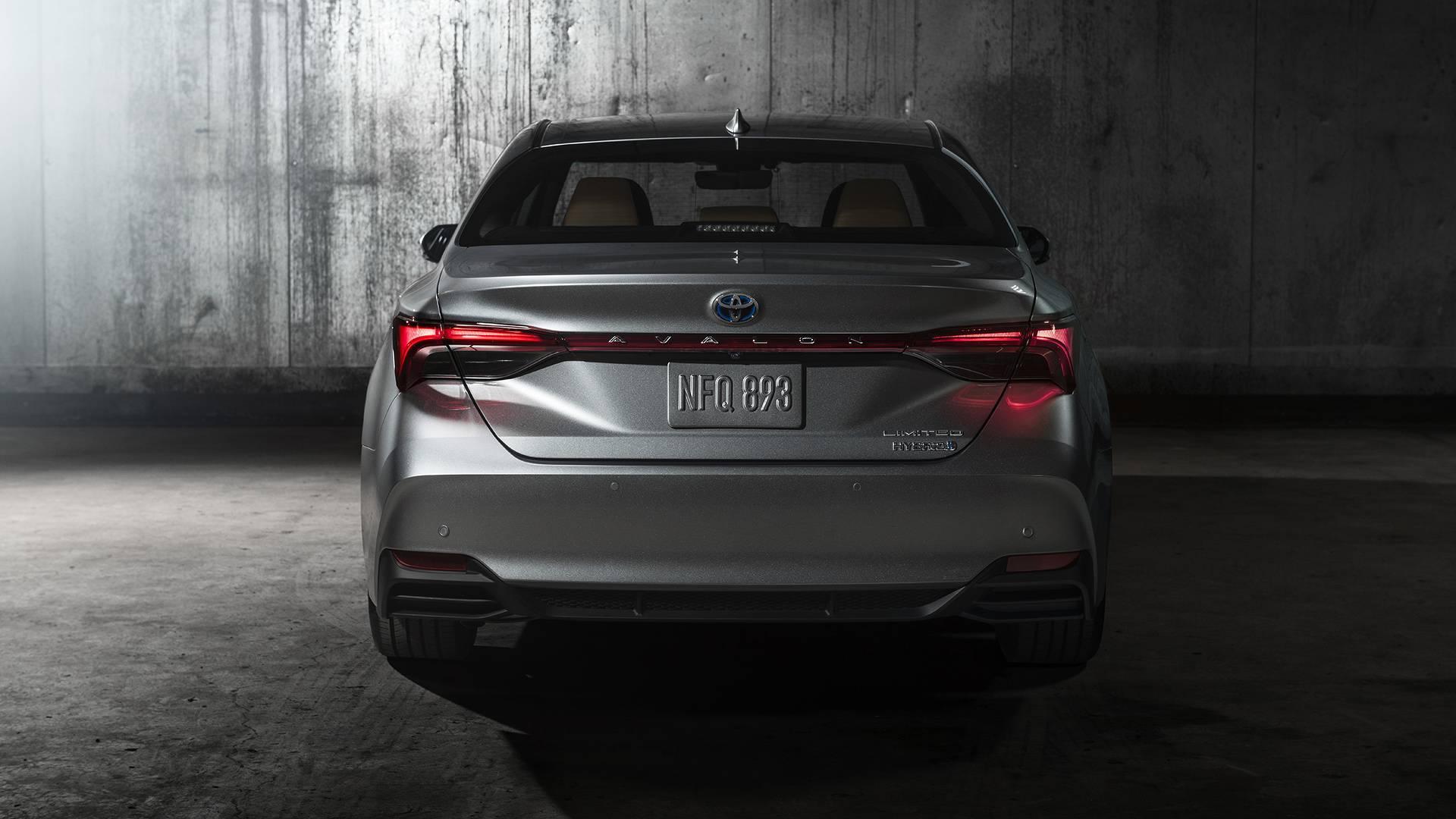 2019-toyota-avalon-limited-hybrid (4).jpg