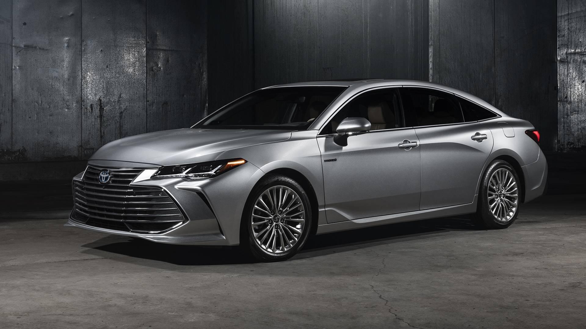 2019-toyota-avalon-limited-hybrid.jpg