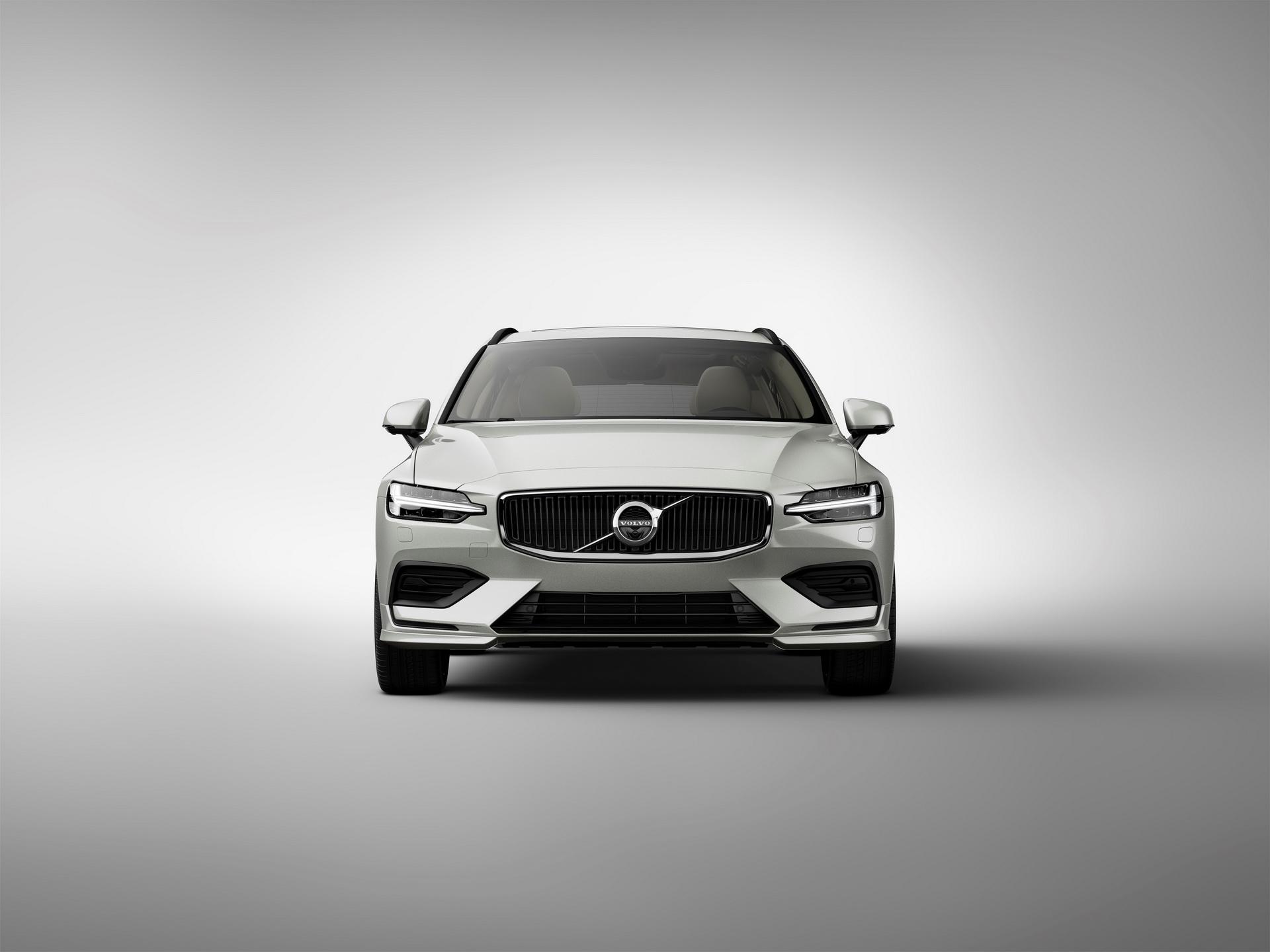 2018-VolvoV60-03.jpg