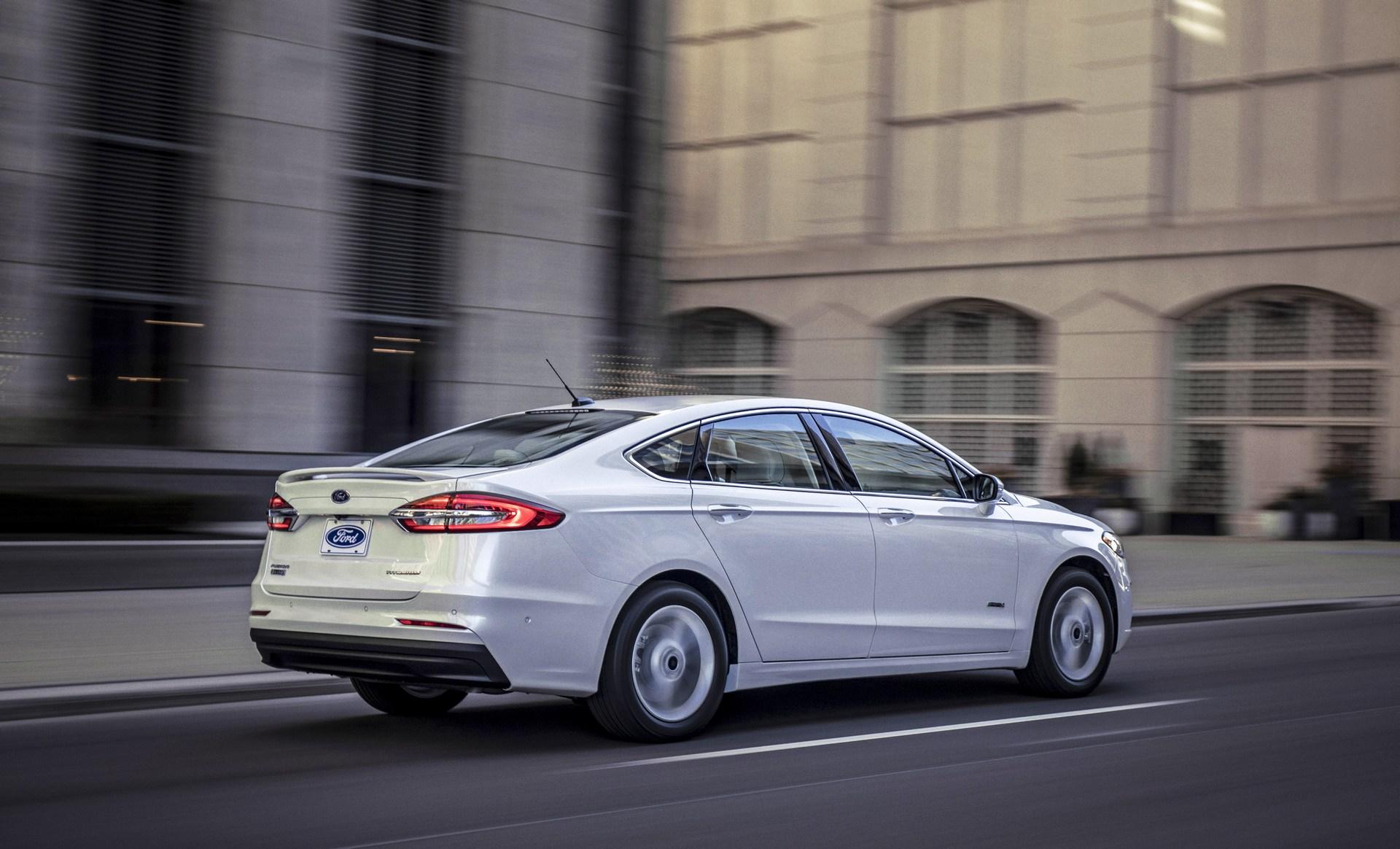 2019-Ford-Fusion-4.jpg