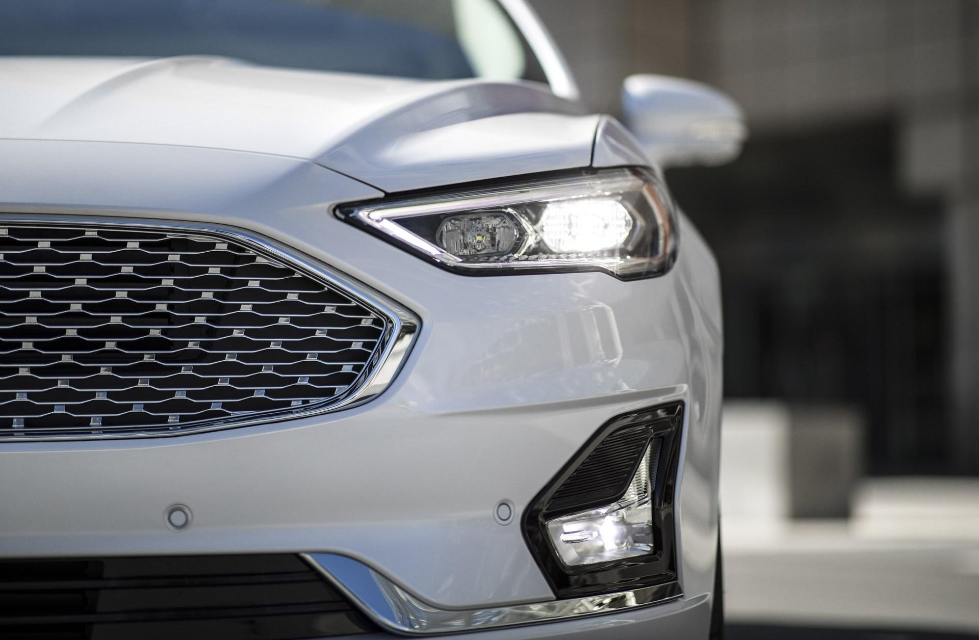 2019-Ford-Fusion-5.jpg