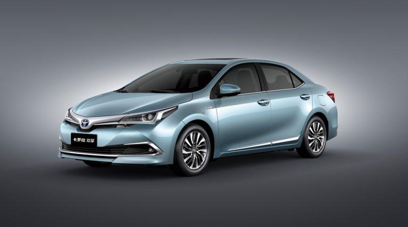 2098_1462163294_Toyota-Corolla-Hybrid-India-launch.jpg