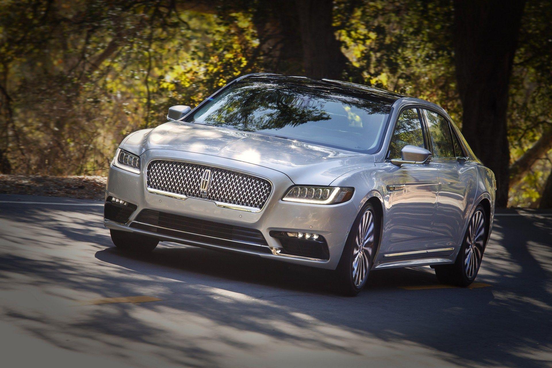 Lincoln-Continental-2.jpg