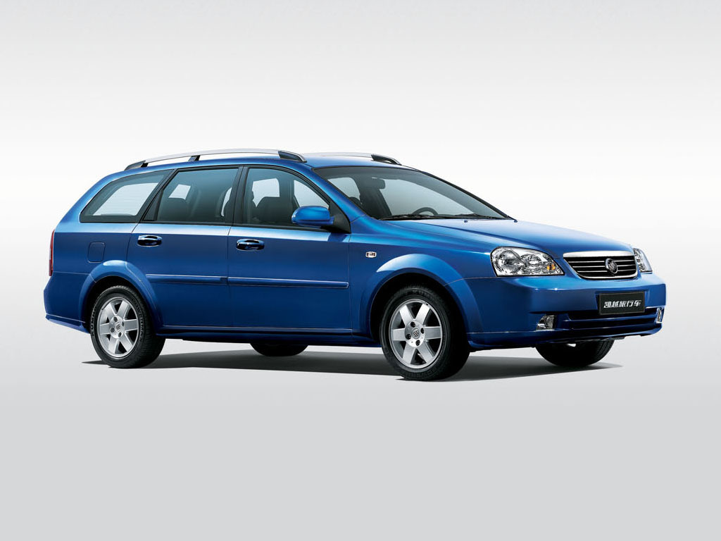 buick_excelle_wagon_4.jpg