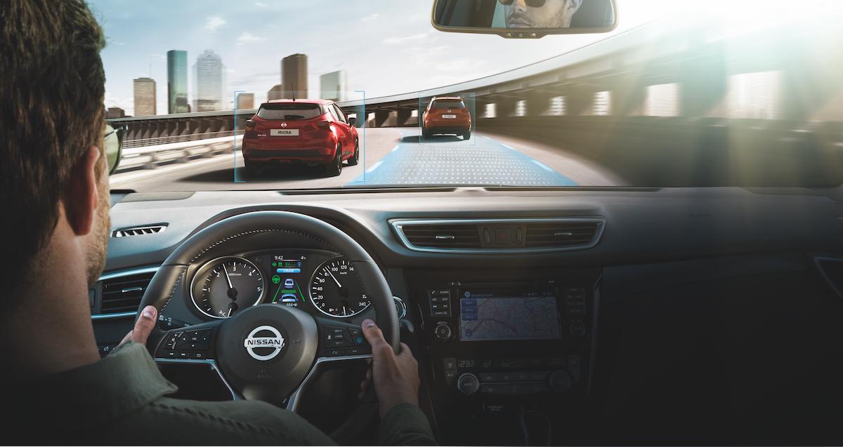 Nissan Qashqai ProPILOT interior LHD - Photo 3-source.jpg