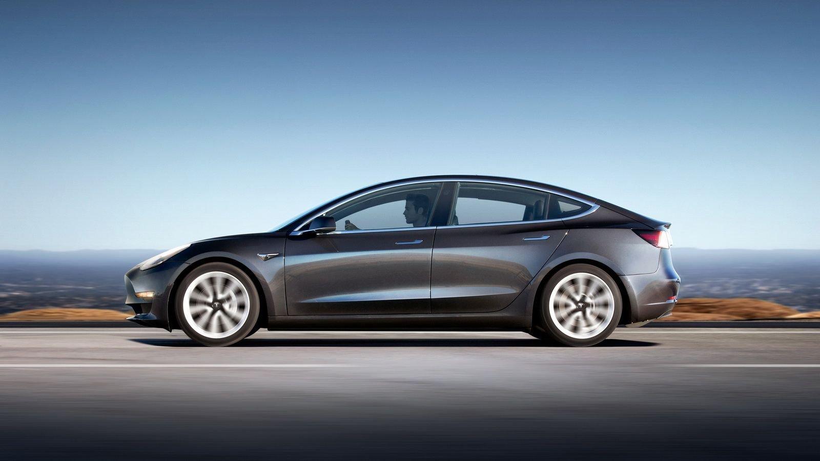 Dual-Motor-Tesla-Model-3-Specs-2.jpg