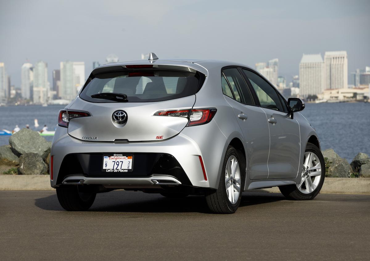 2019_Toyota_Corolla_Hatchback_012_E073CB3C04319F39057EF56291415AEEC3FBC36A.jpg