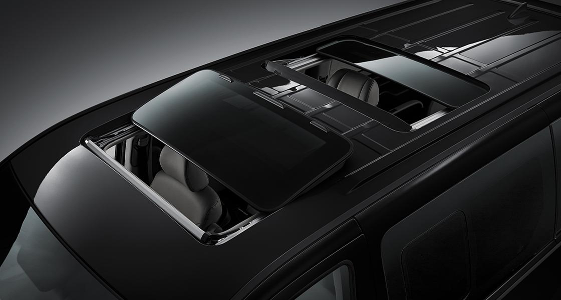 pip-grand-starex-limousine-design-dual-sunroof.jpg