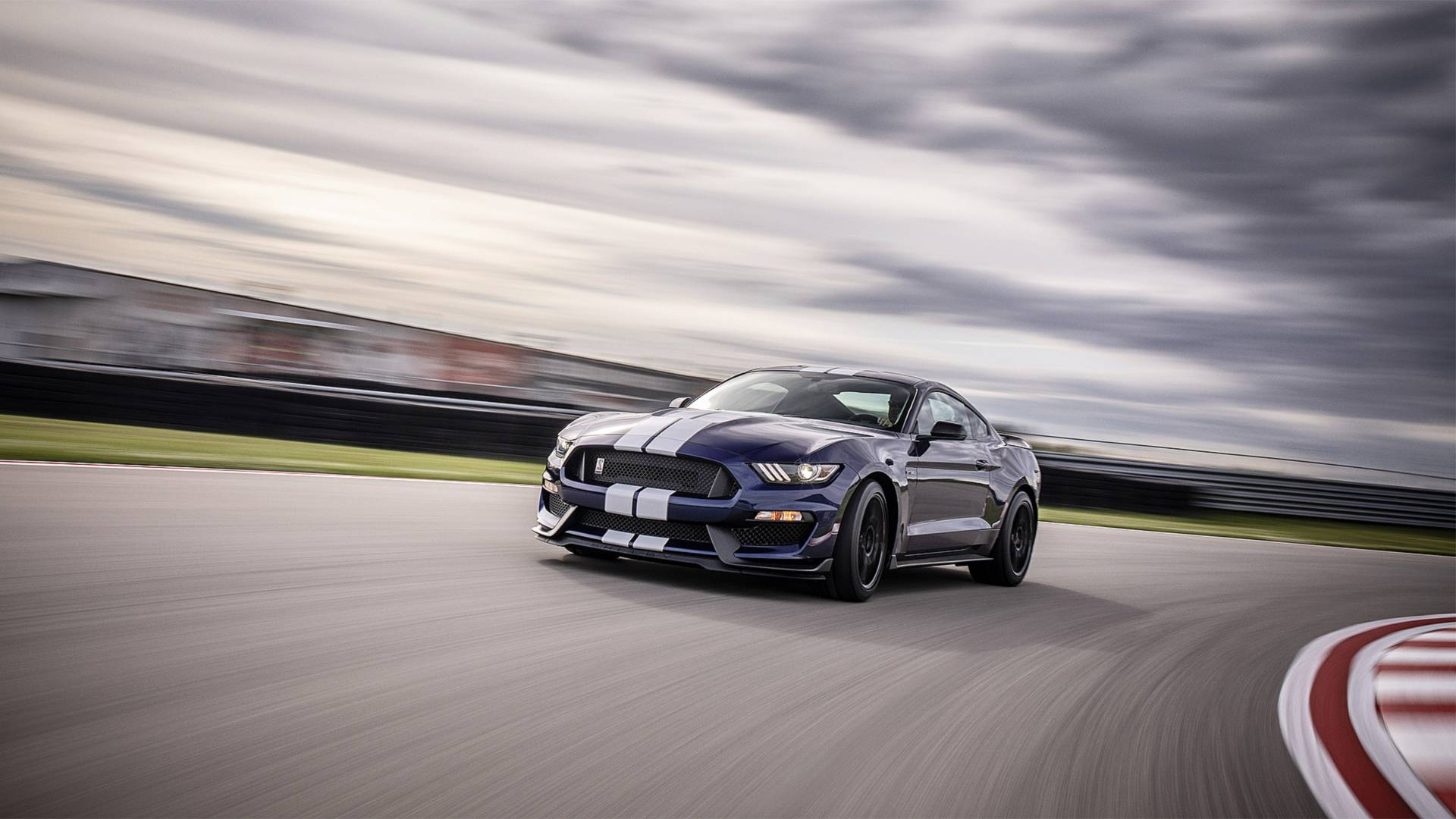 2019-ford-mustang-shelby-gt350 (1).jpg
