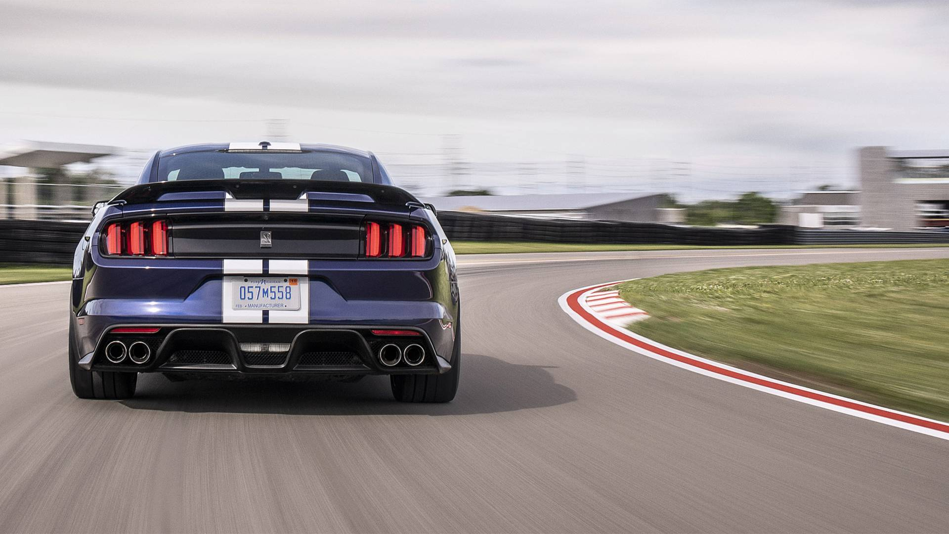 2019-ford-mustang-shelby-gt350 (5).jpg