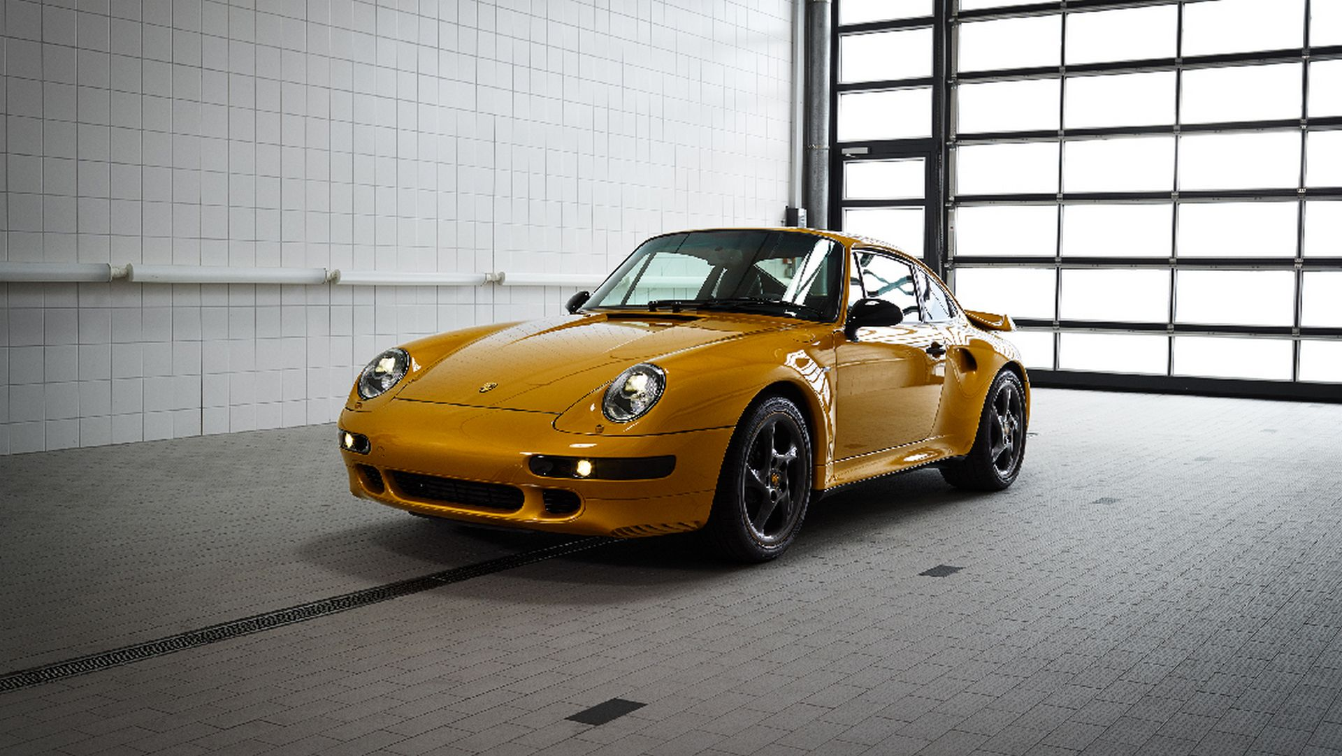 78f164ca-porsche-993-turbo-project-gold-5.jpg