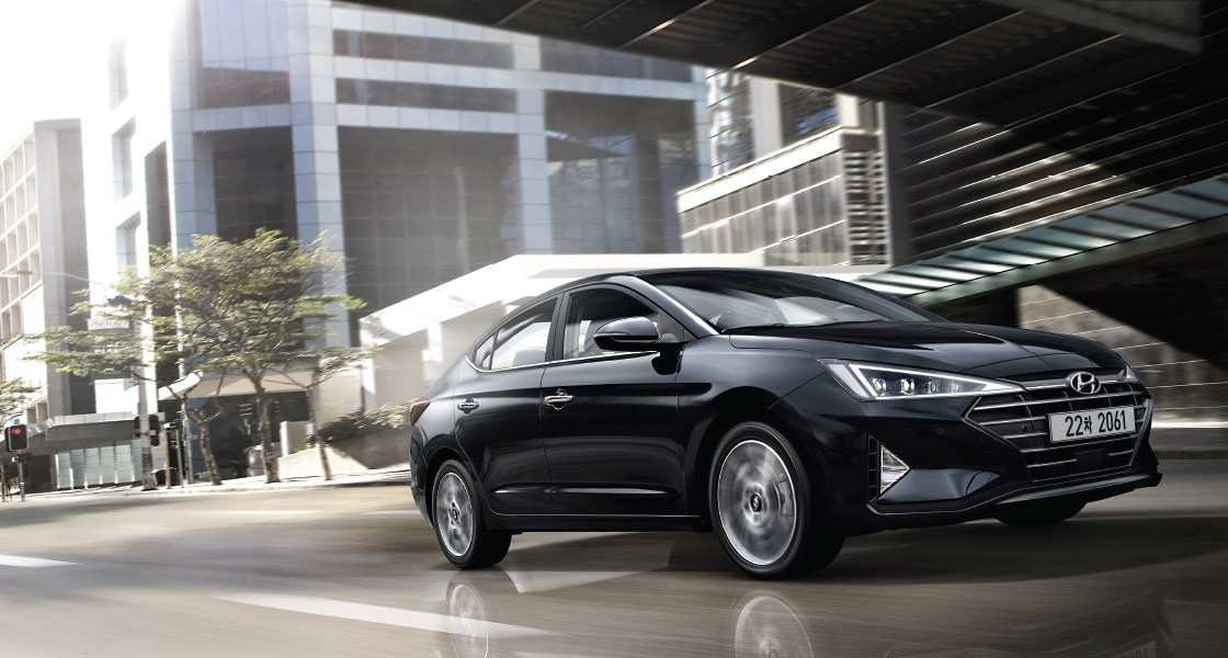 pip-avante-performance-gasoline-1-point-6-premium-full-option-phantom-black.jpg