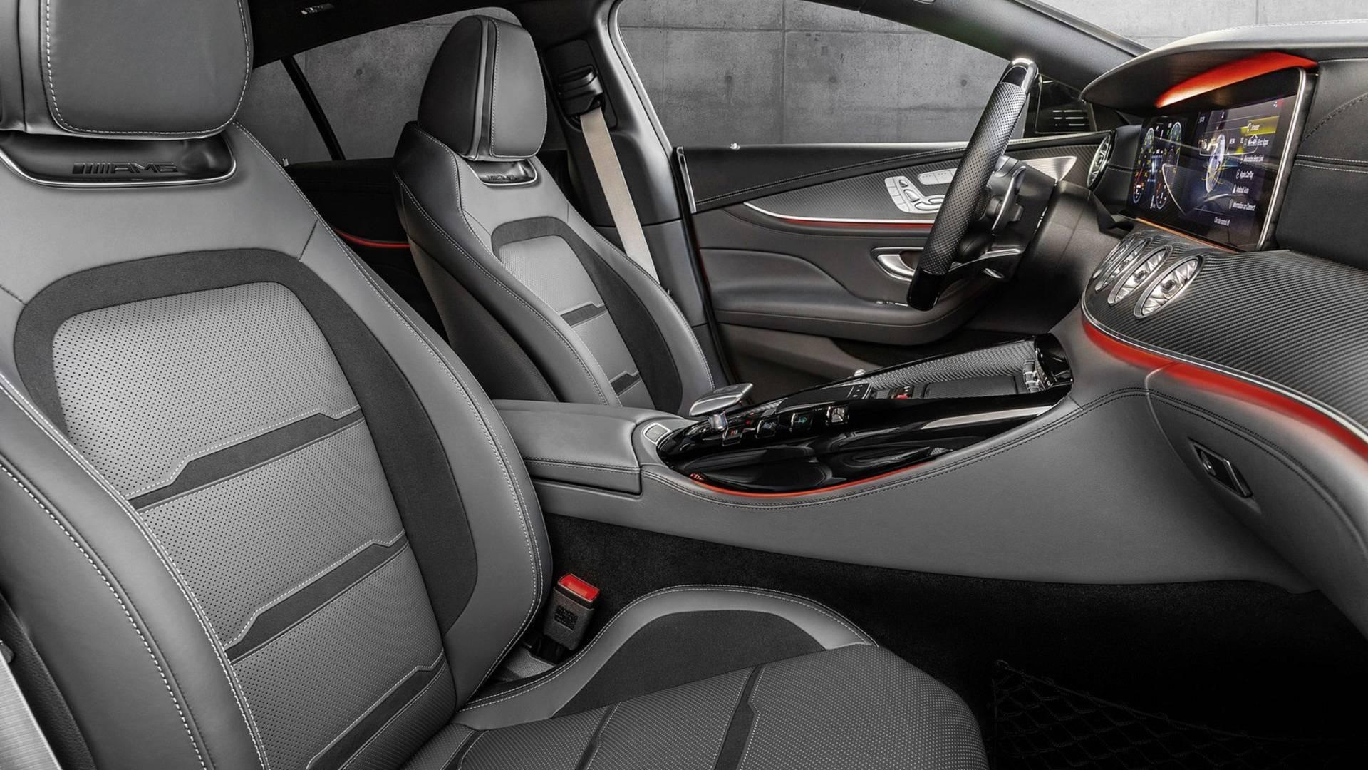 2019-mercedes-amg-gt-43-four-door-coupe (10).jpg