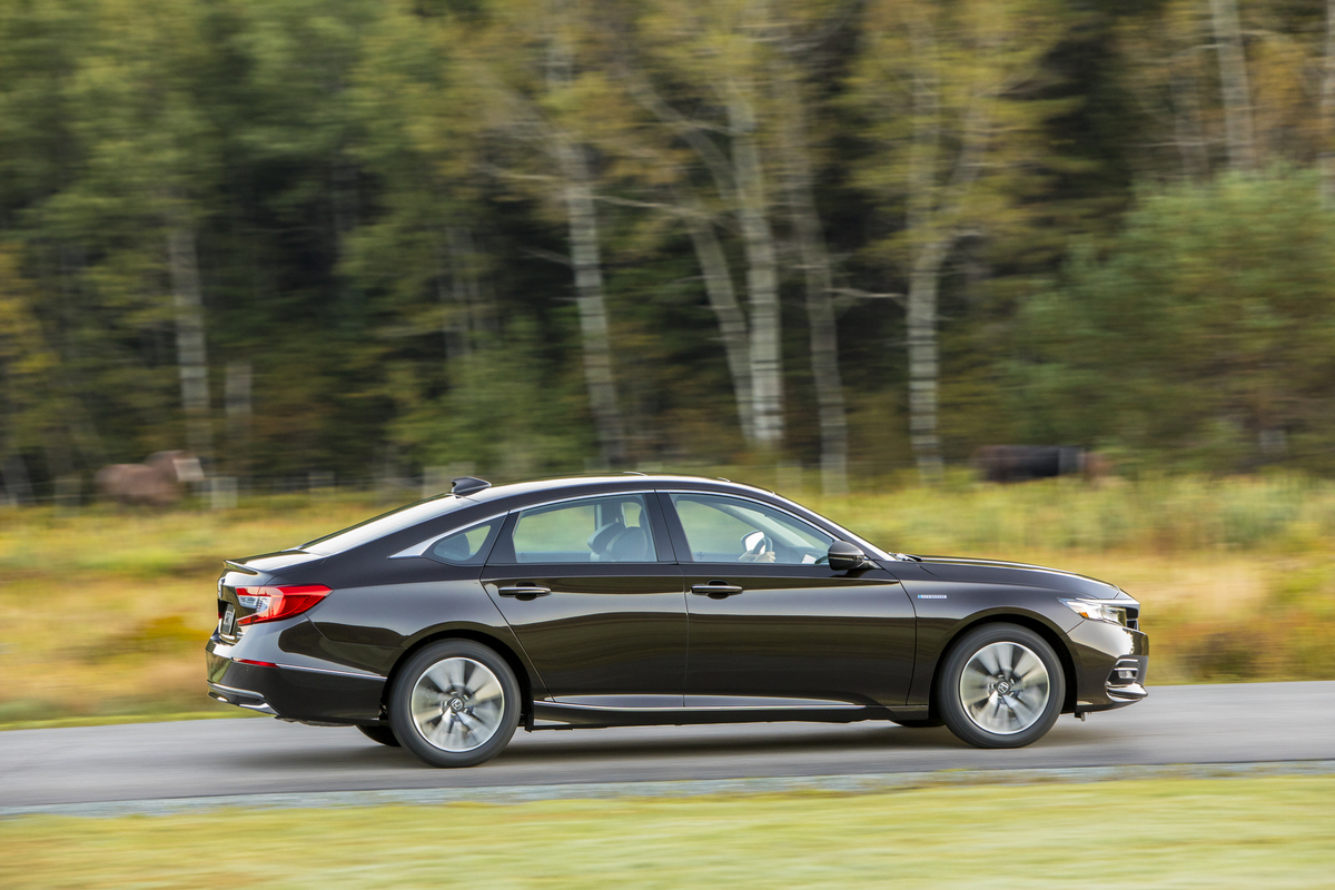 2018_Honda_Accord_Hybrid__012.jpg