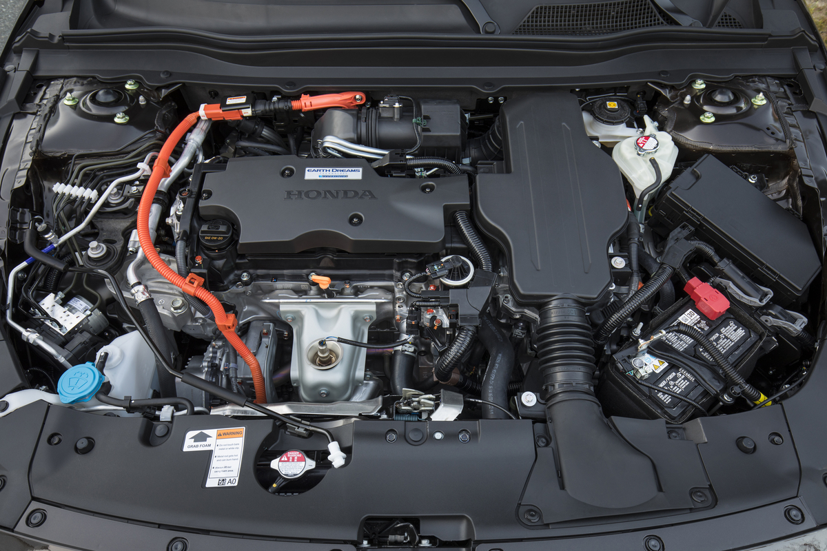 2018_Honda_Accord_Hybrid__013.jpg