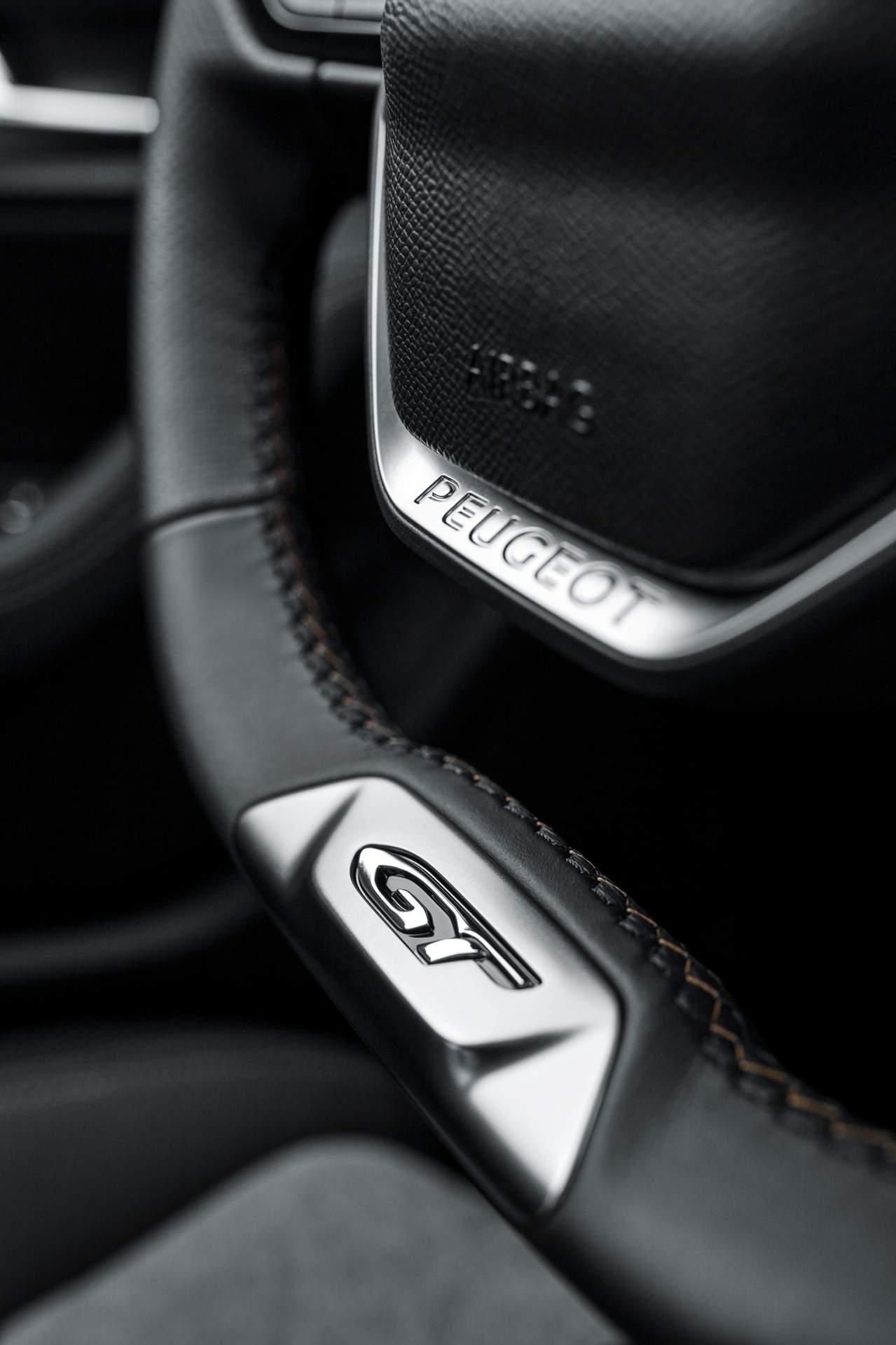 2ef0ce0a-peugeot-3008-hybrid4-1.jpeg
