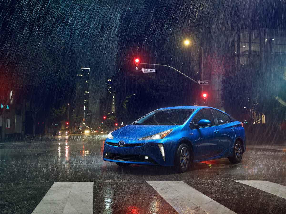 2019_Toyota_Prius_Limited_04_1E3FAE3324AAF847E3A50F7B1F0657FB9AD25E7F.jpg
