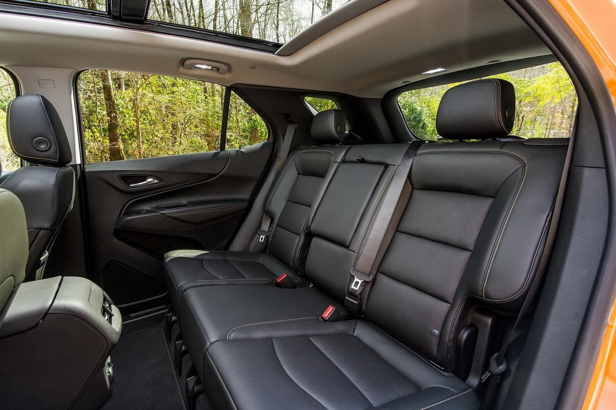 Chevrolet-Equinox-2018-1600-11.jpg