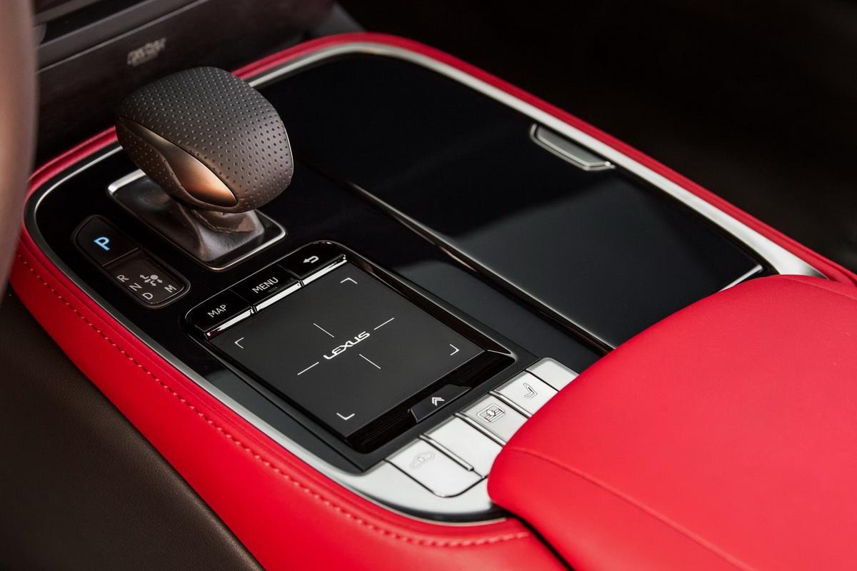 Lexus-LS_500_F_Sport-2018-1600-3c.jpg