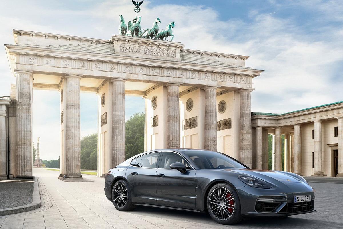 Porsche-Panamera-2017-1600-05.jpg