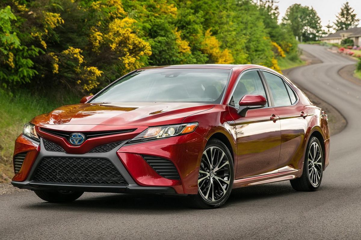 Toyota-Camry-2018-1600-07.jpg