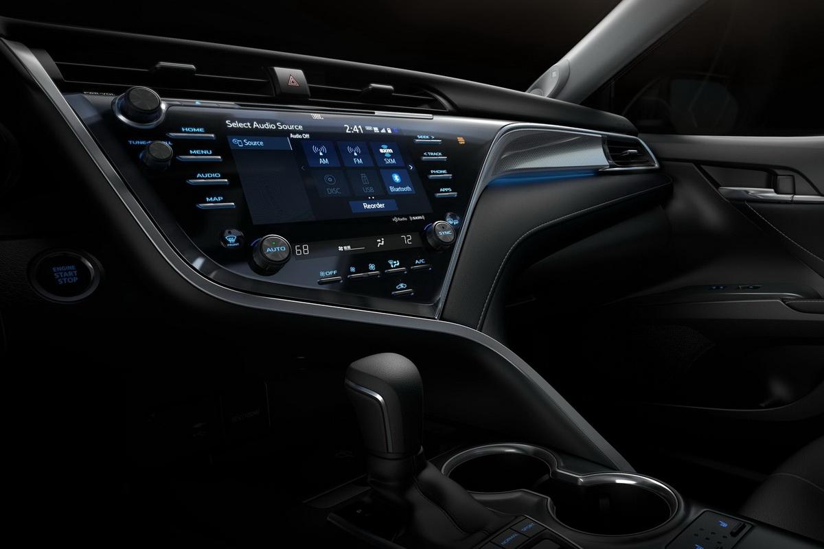 Toyota-Camry-2018-1600-53.jpg