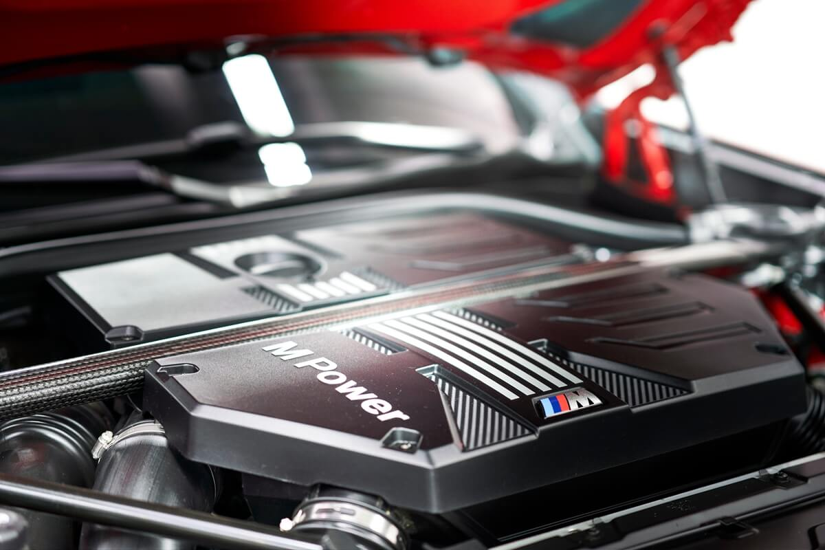 P90335323_highRes_the-all-new-bmw-x4-m.jpg