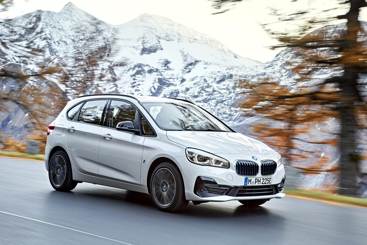 P90288858_highRes_the-new-bmw-225xe-ip.jpg