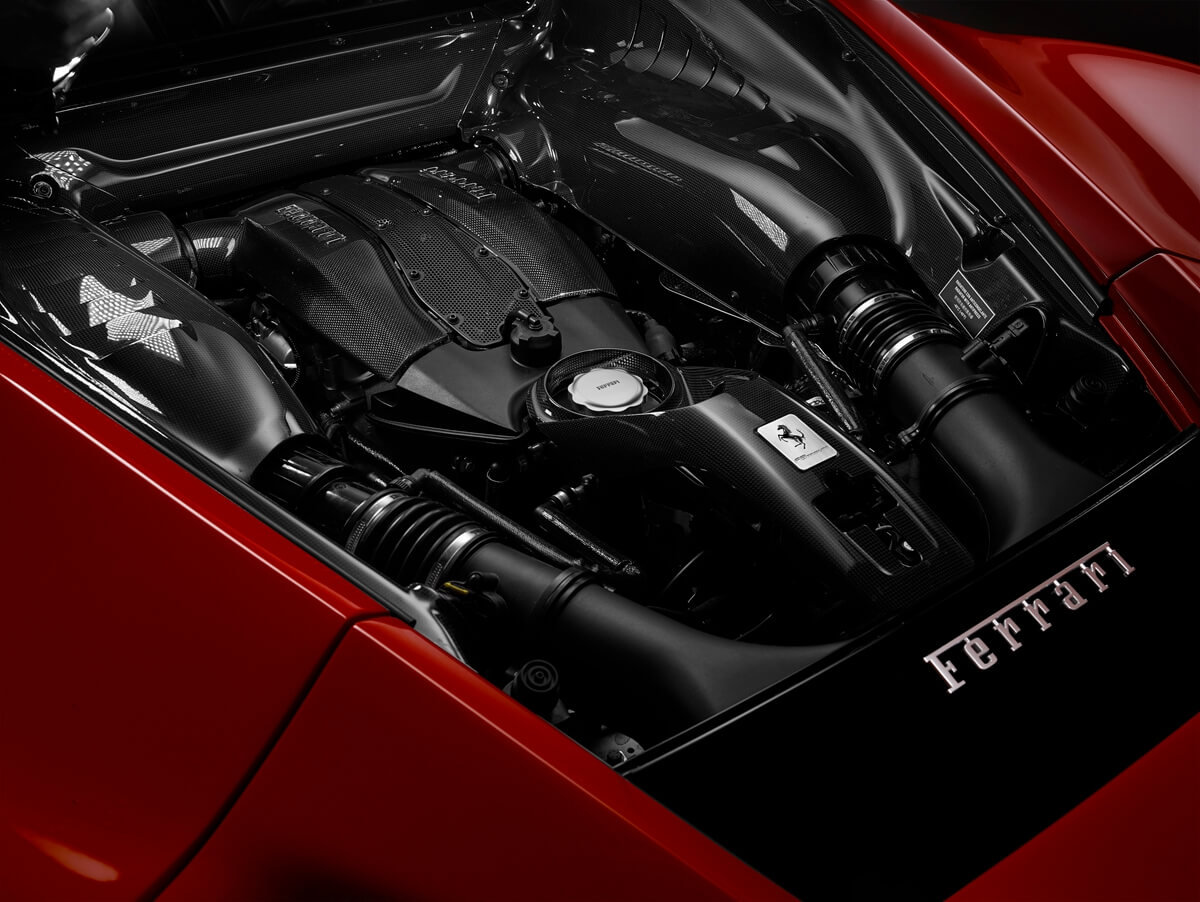 Ferrari_F8_Tributo_10.jpg
