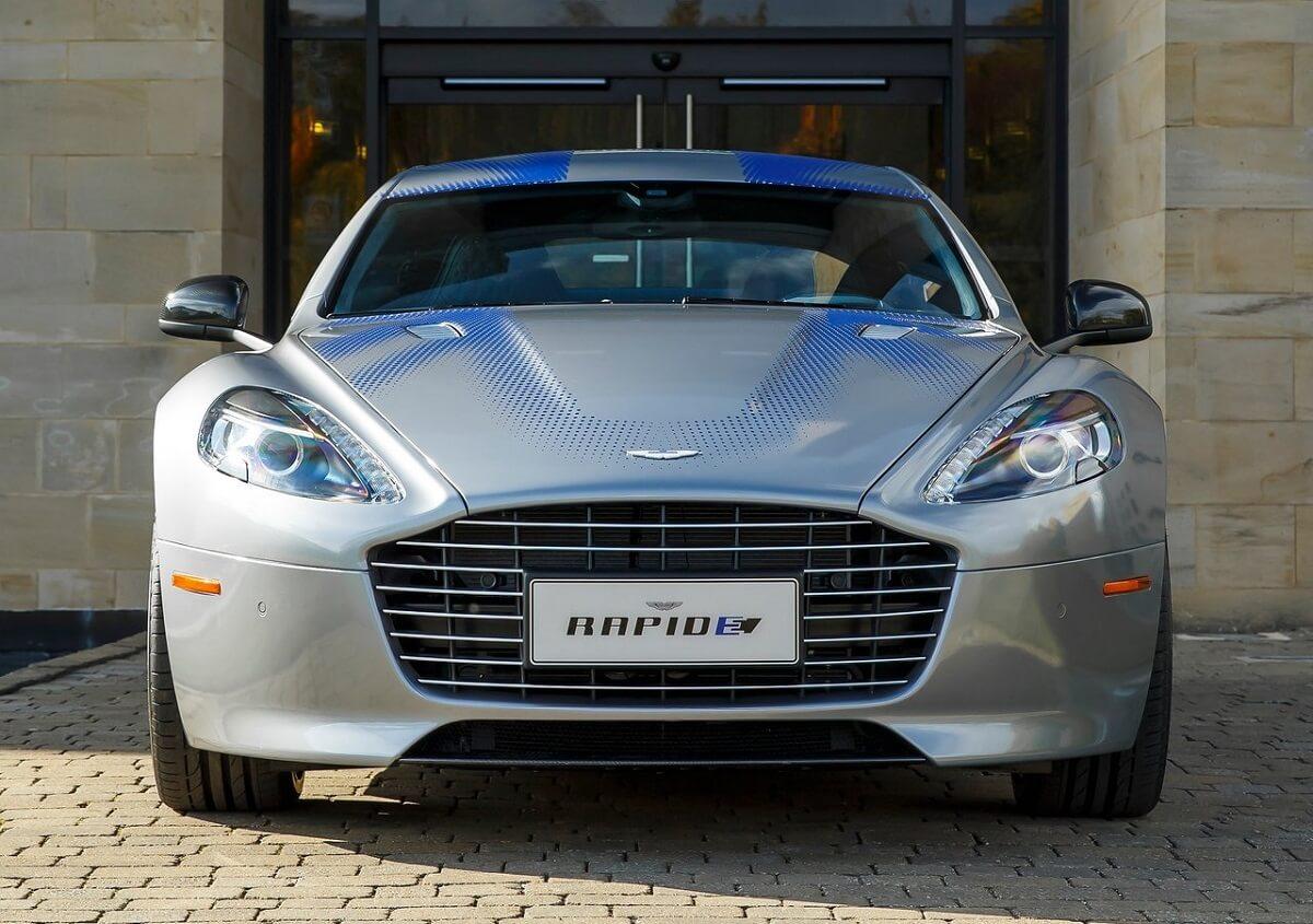 Aston_Martin-RapidE_Concept-2015-3.jpg