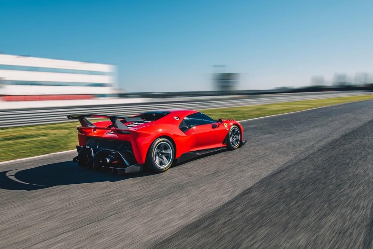 Ferrari_P80_C_shake_down_10.jpg