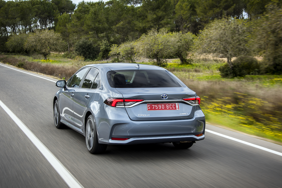 corolla-sedan-1.8l-grey-2019-023-799093.jpg