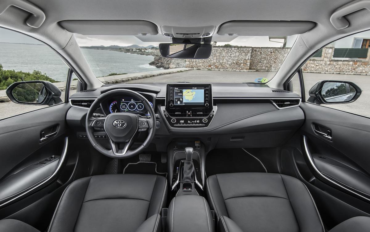 corolla-sedan-1.8l-grey-2019-041-789413.jpg