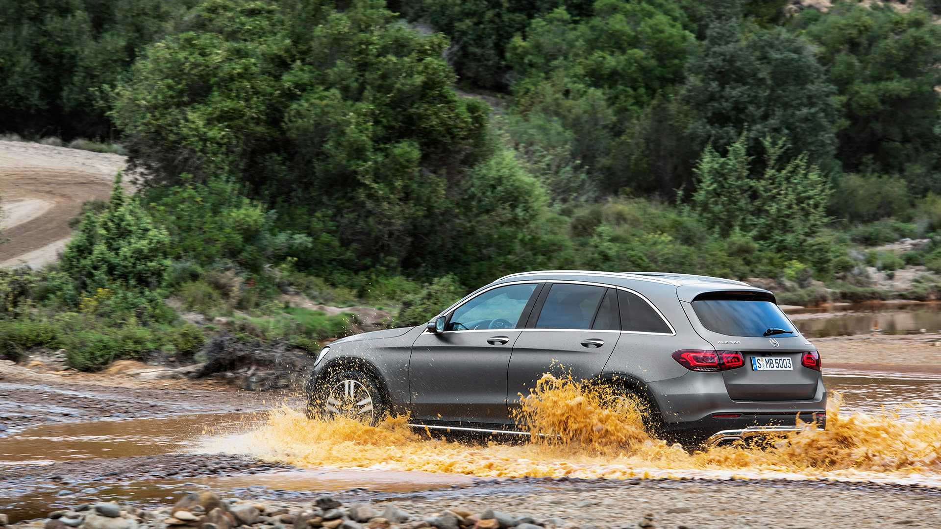 mercedes-benz-glc-2019 (12).jpg