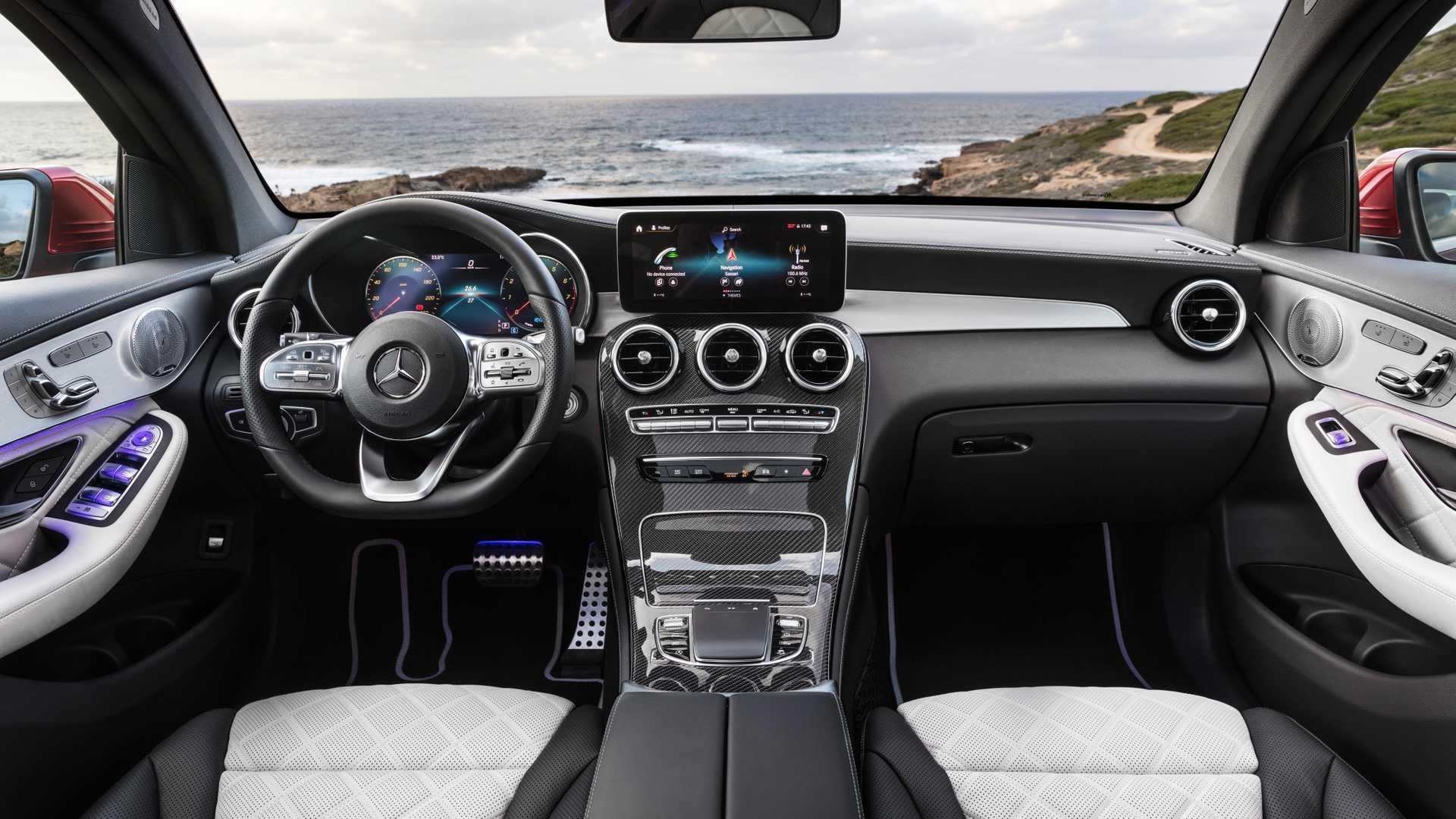 mercedes-glc-coupe-2019 (13).jpg