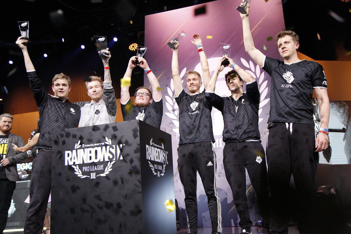 R6PL_S8_Finals_Photo_01.jpg