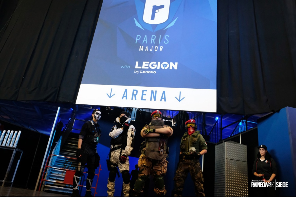 R6S_Six_Paris_Major_Photo_02.JPG