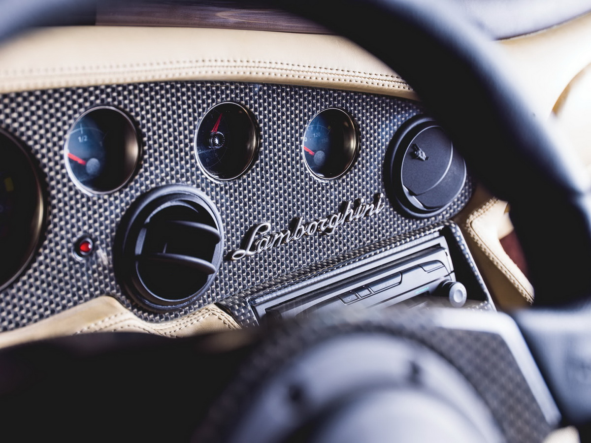 2001-Lamborghini-Diablo-VT-6-0-SE_10-copy.jpg