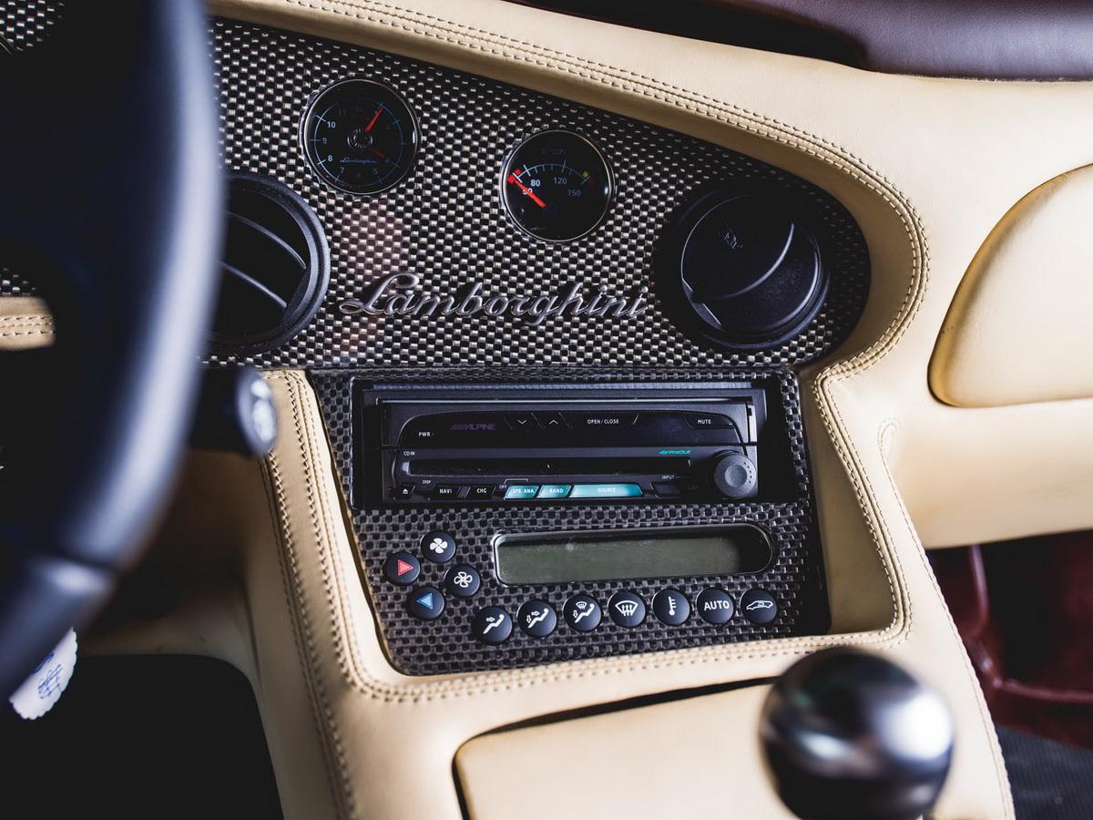 2001-Lamborghini-Diablo-VT-6-0-SE_11-copy.jpg
