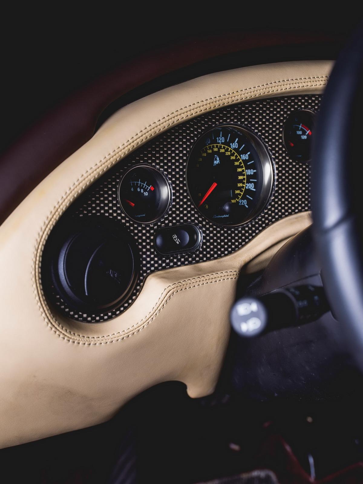 2001-Lamborghini-Diablo-VT-6-0-SE_9-copy.jpg