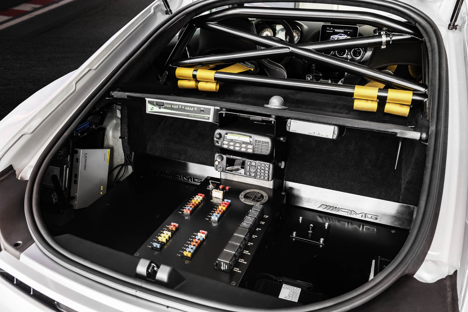 mercedes-amg-gt-r-f1-safety-car-31.jpg