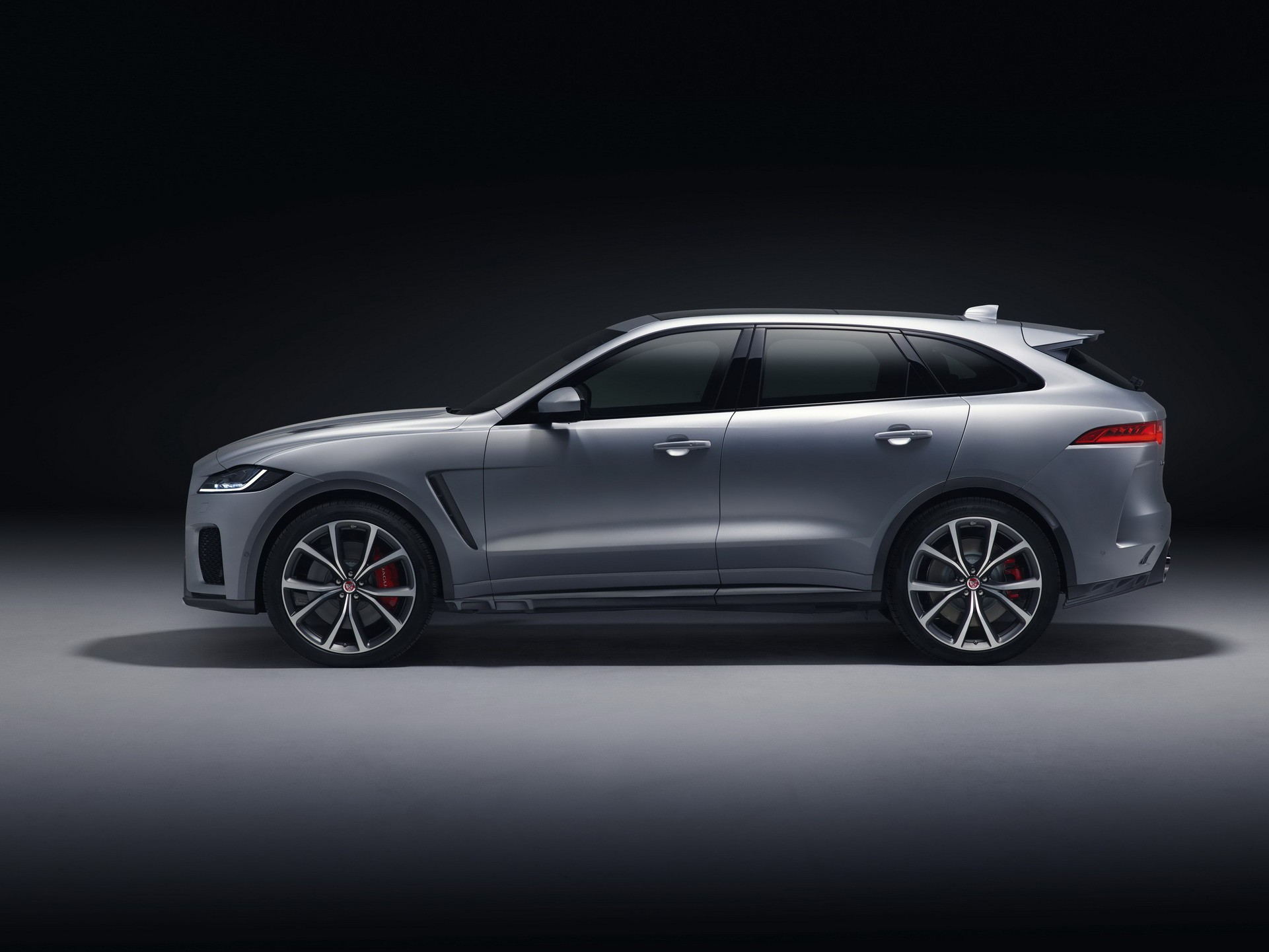 recommended-by-jaguar-lines-up-j-pace-suv-to-take-fight-to-porsche-cayenne_5.jpg
