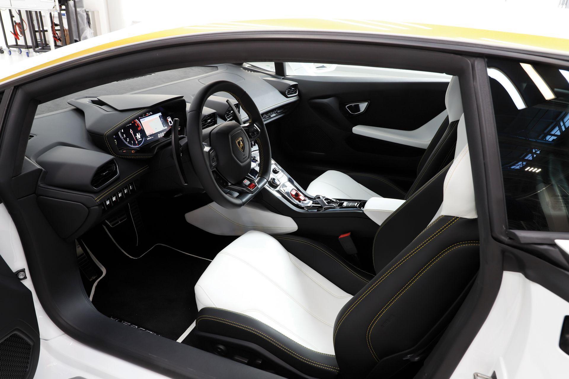Pope-Lamborghini-Huracan-Auction-7.jpg