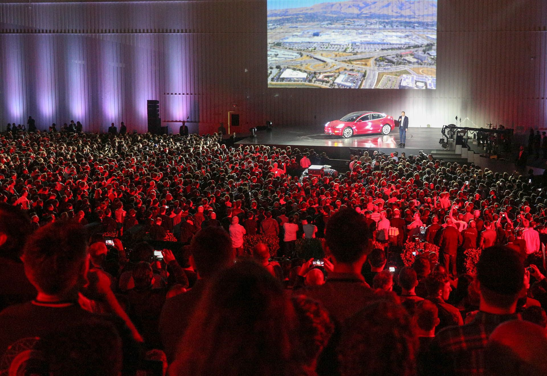 tesla-model-3-delivery-event-crowd.jpg