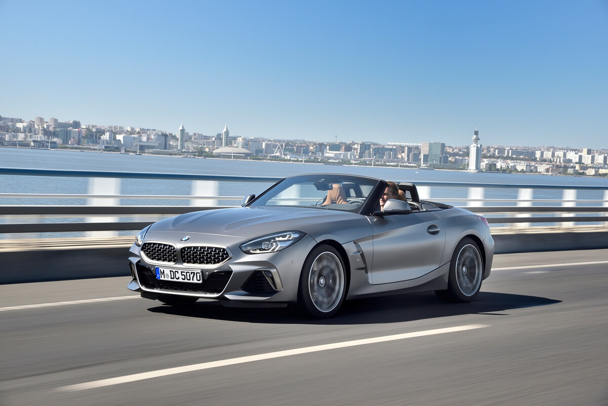 P90328288_highRes_the-new-bmw-z4-m40i-.jpg