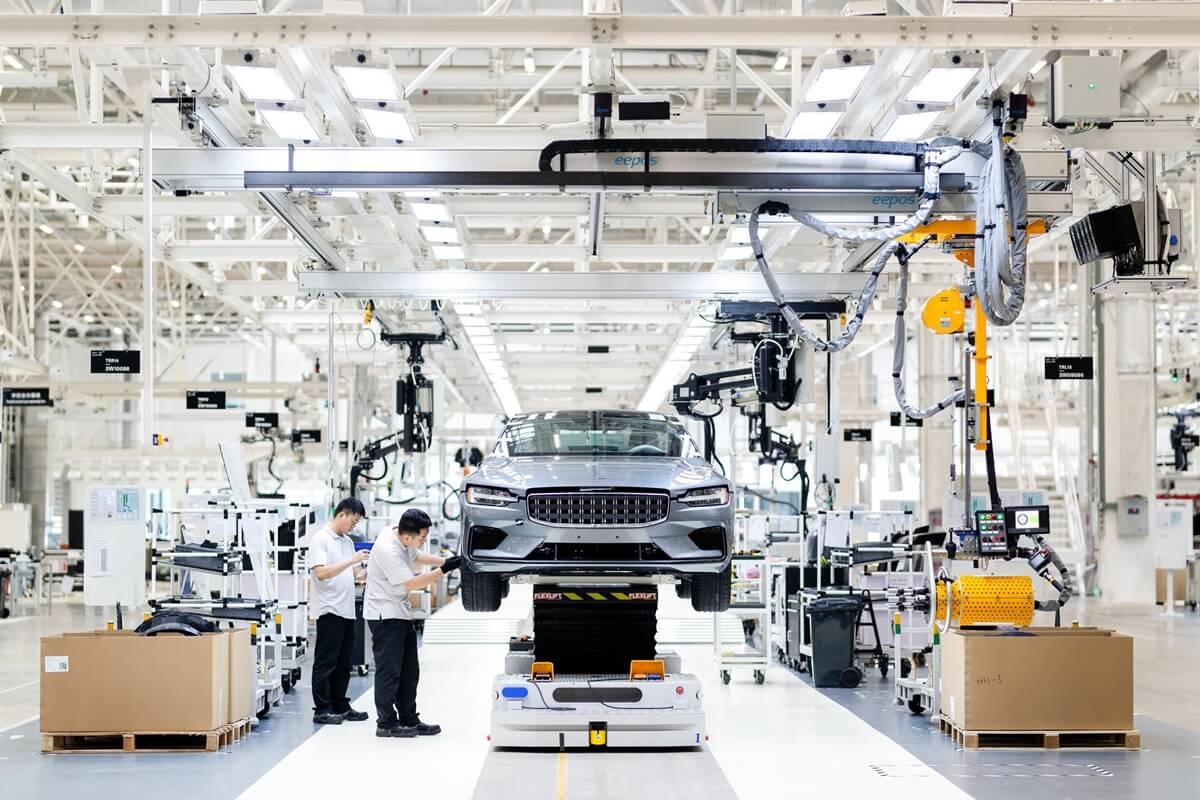 Polestar_Chengdu_Production_Centre_Polestar_1_006_Assembly.jpg