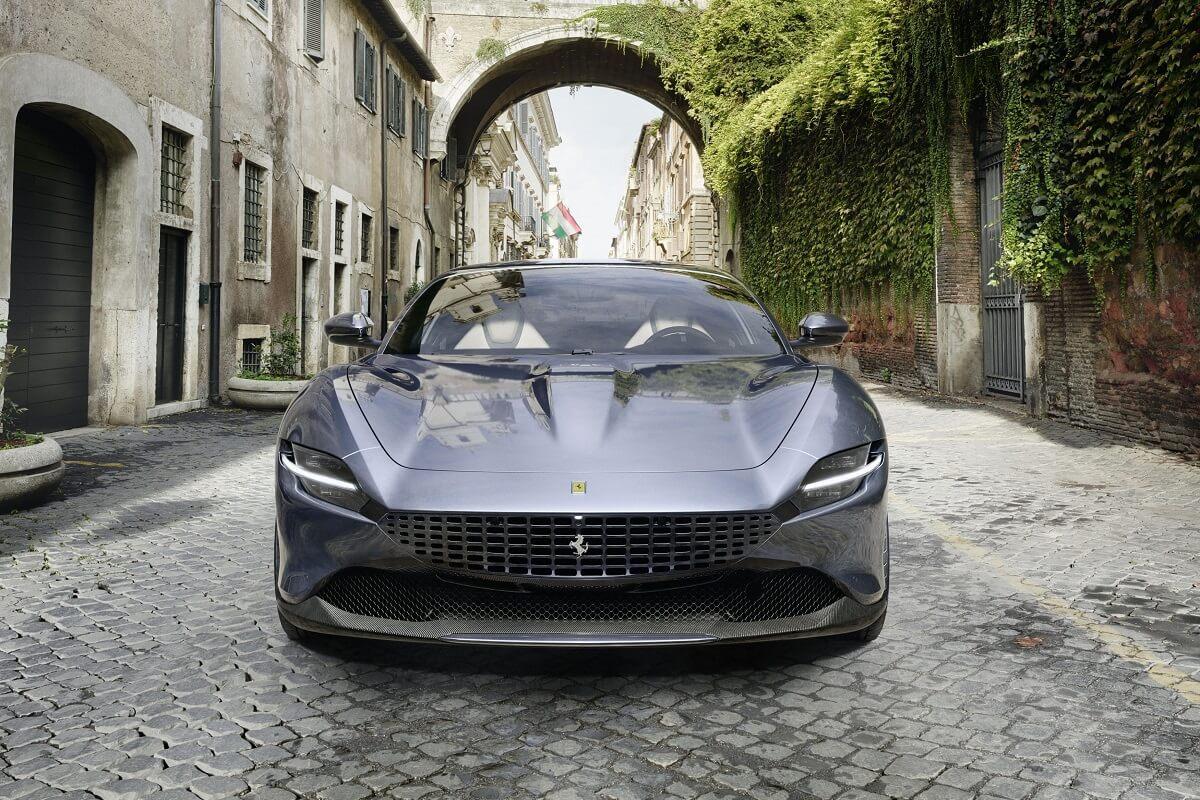 Ferrari_Roma_2_01.jpg